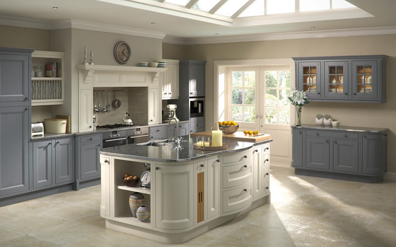 Painted kitchen gallery bespoke design personal for Traditional painted kitchens